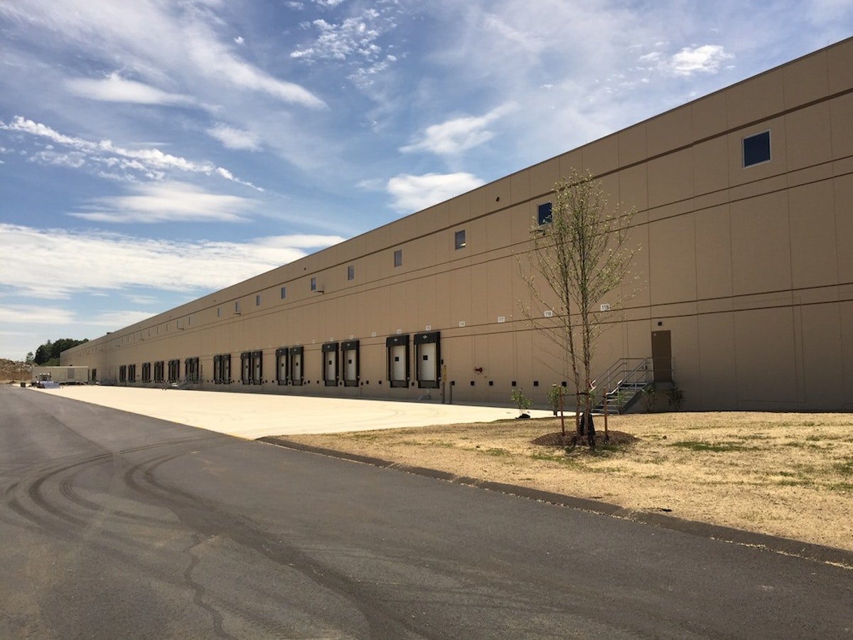 Industrial Painting Tips: What to Consider When Painting Your Tilt-Up Building