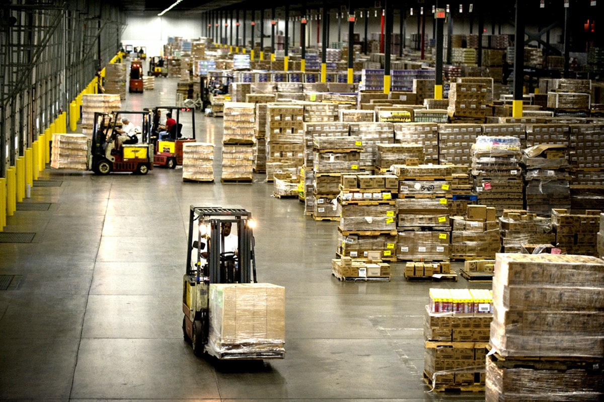 How Epoxy Flooring Solves 6 Challenges Manufacturers Face