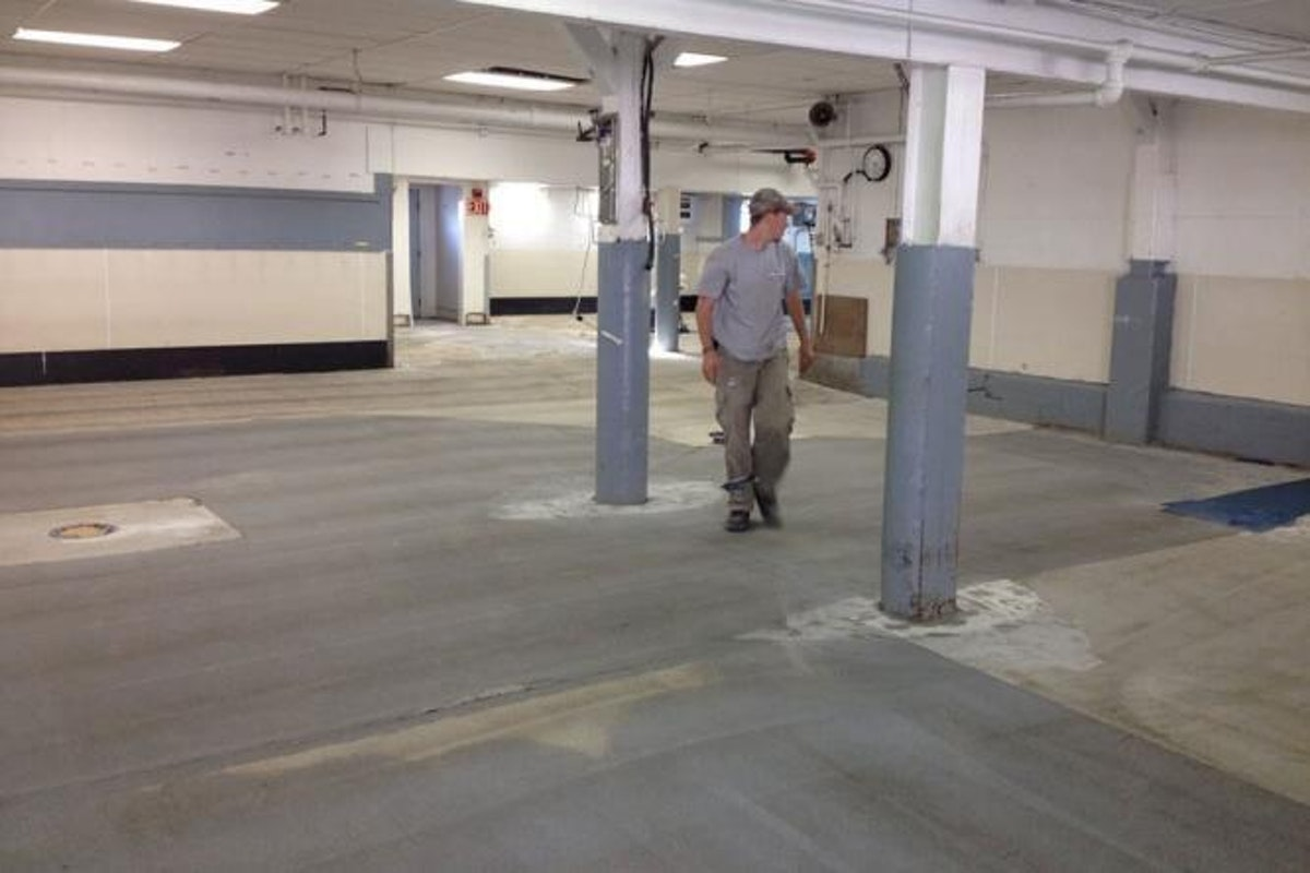 Contractor working on maintenance 5 Reasons an Ongoing Maintenance Contract Is Good for Business