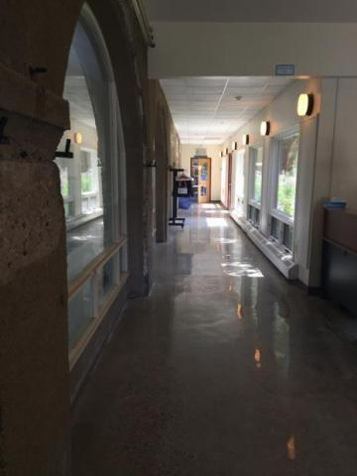 New epoxy floor coating Polished Concrete vs. Epoxy. Know Your Options